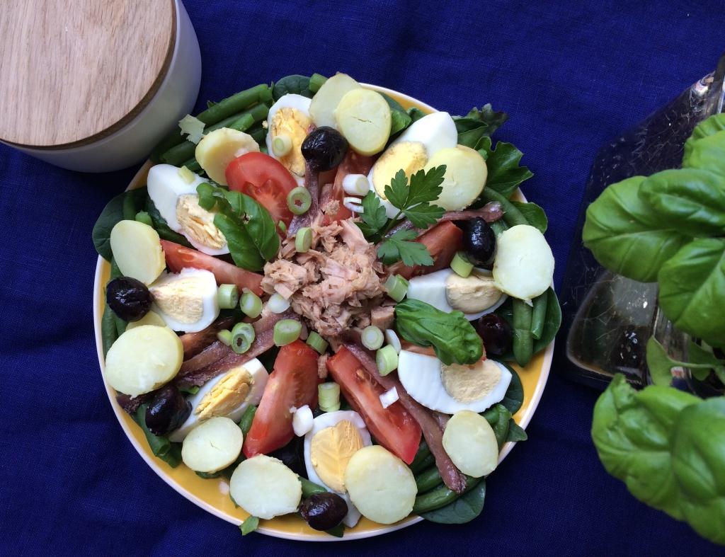 Salade niçoise - latabledejacinta.com